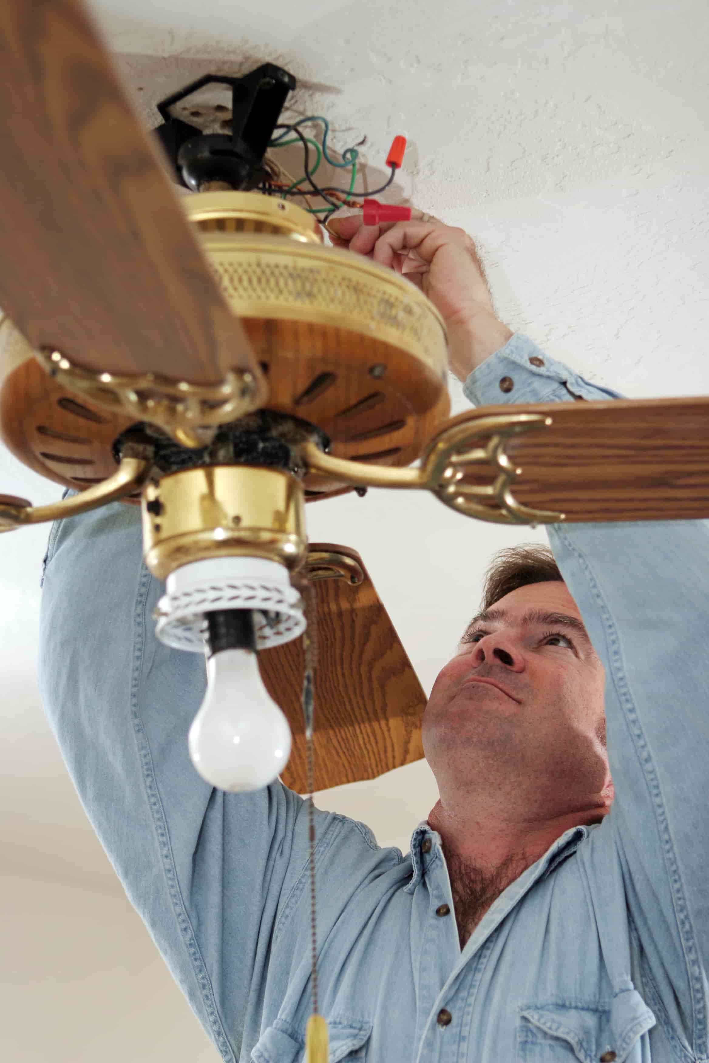 How to Install a Ceiling Medallion 8 Steps